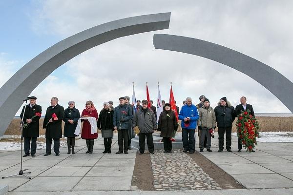 У мемориала «Разорванное кольцо» вспоминали подвиги партизан