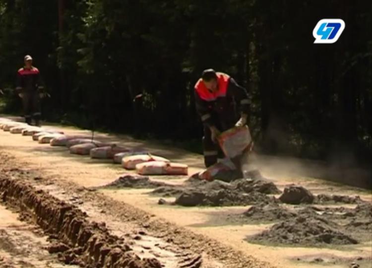 Дороги в Ленинградской области собираются ремонтировать по новой технологии (видео)