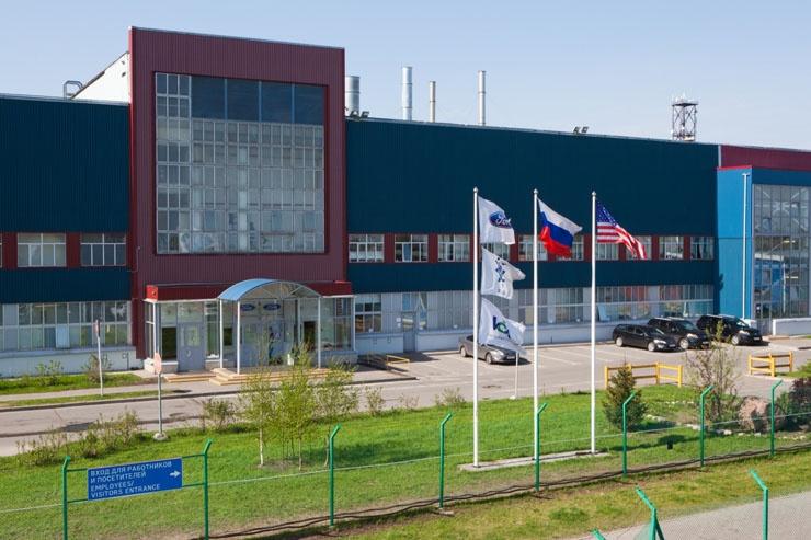 Российские автозаводы остановят конвейеры летом
