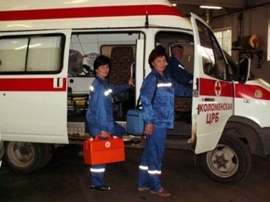 Работники скорой помощи: Сокращение бригад связано с финансированием