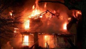 В Гатчине и Всеволожске горели дома на общей площади более 10 кв.метров