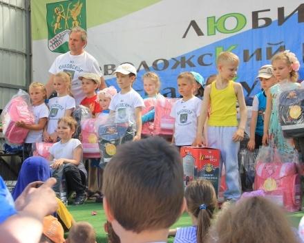 Рожденные в Юкковском поселении получили медали