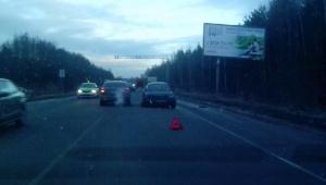 Авария на шоссе заняла одну из полос движения в сторону Токсово
