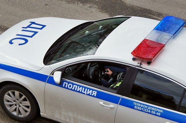 Угнанный Mercedes попал в ДТП на улице Подвойского