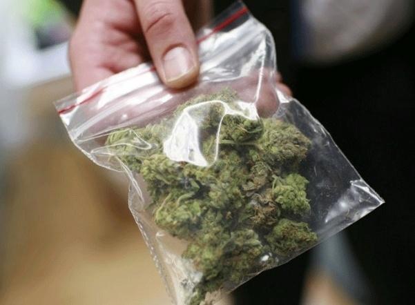 Наркополицейские подозреваются в вымогательстве денег за невозбуждение уголовного дела