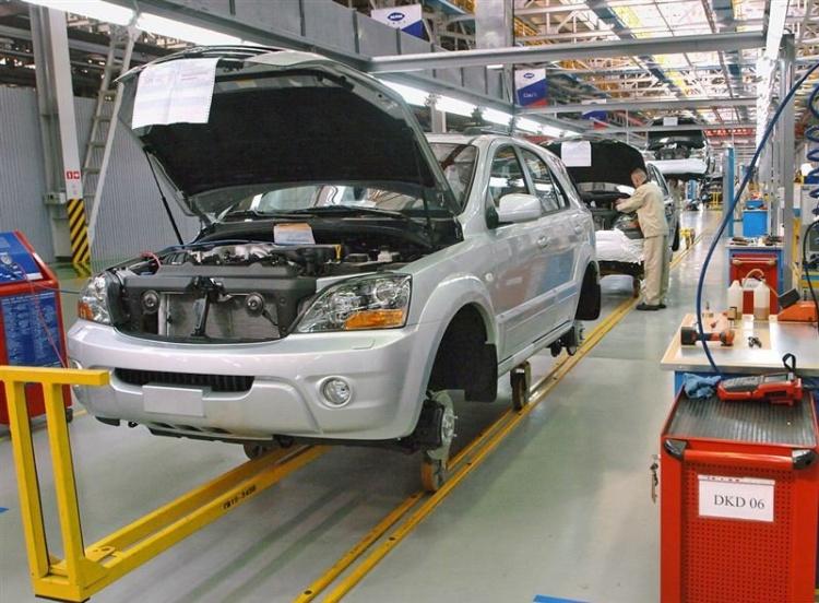Российский автопром загружен лишь на 40% своих мощностей