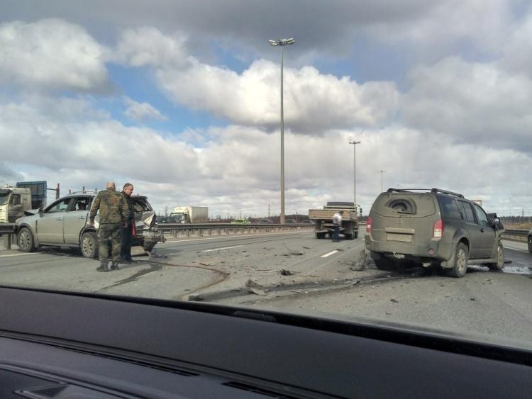 В Петербурге на КАД образовалась 5-километровая пробка из-за ДТП