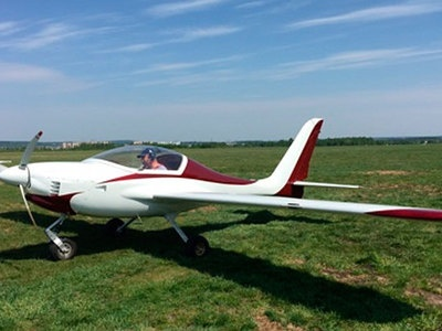 Легкомоторный самолет, следовавший в Ленобласть, жестко сел при взлете