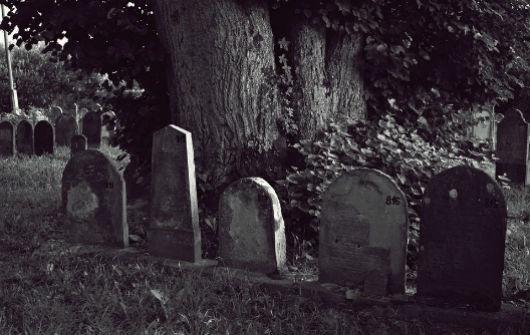 С кладбища в Юкках украли надгробную плиту