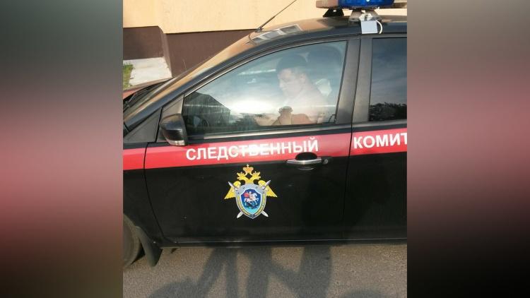 Поведение водителя автомобиля СК РФ шокировало жителей Невской Дубровки