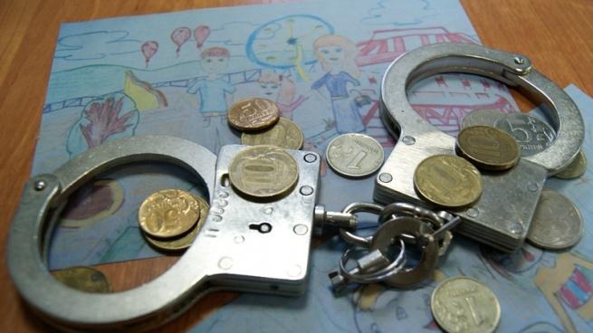 Судебные приставы Всеволожского района взяли под стражу должника по алиментам