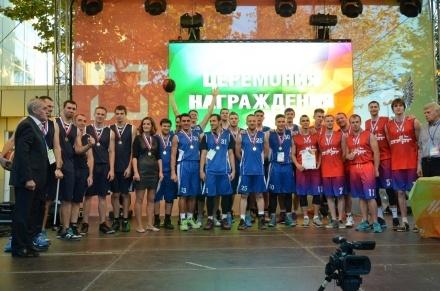 Золото мировых корпоративных игр завоевали новодевяткинские баскетболисты