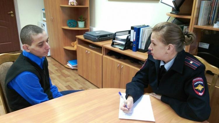 В рамках Дня правовой помощи детям в Санкт-Петербурге и Ленинградской области полицией проведен ряд профилактических мероприятий