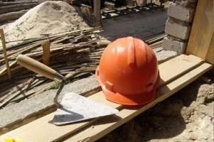 В Мурино с третьего этажа строящегося дома упал рабочий Подробнее: http://neva.today/news/129979/