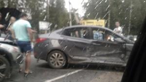 Очевидцы: Во Всеволожске столкнулись четыре машины